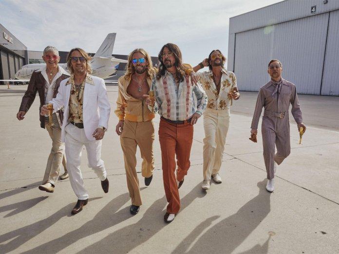 Foo Fighters as Dee Gees