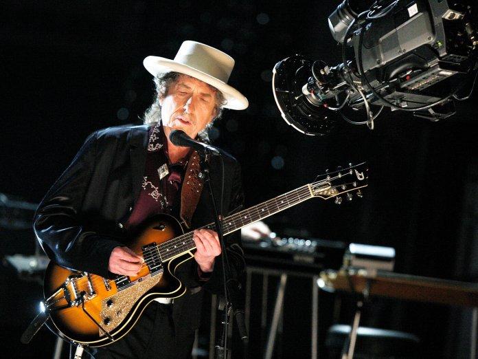 Bob Dylan onstage