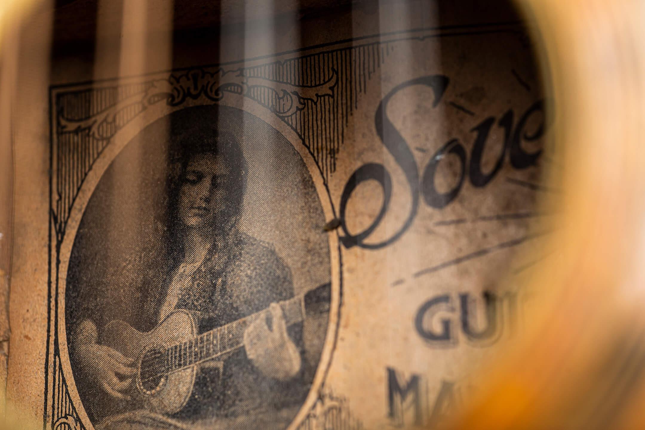 Oscar Schmidt flat-top mandolinetto