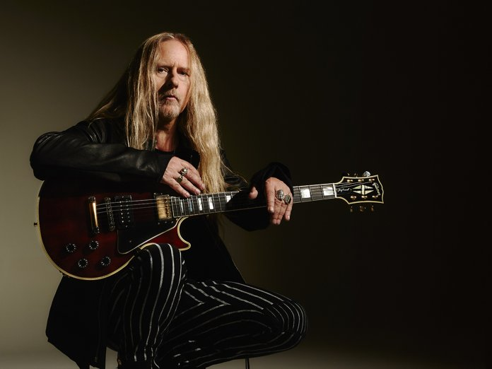 Jerry Cantrell with his Wino Les Paul Custom
