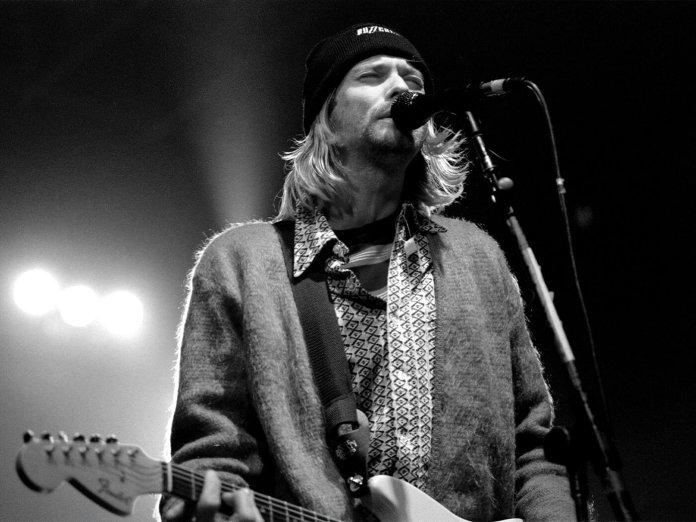 Kurt Cobain onstage