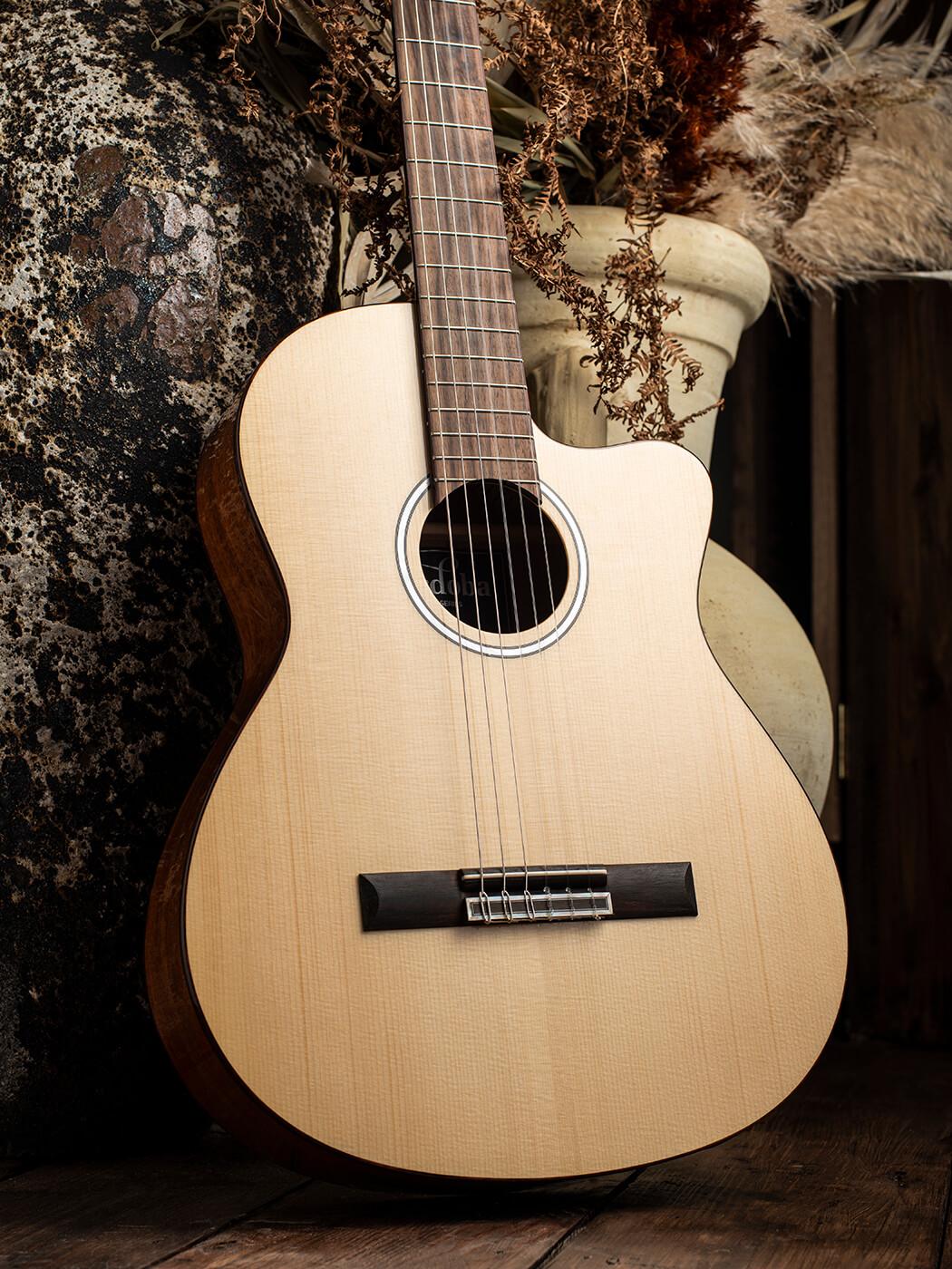Córdoba Guitars Fusion 5