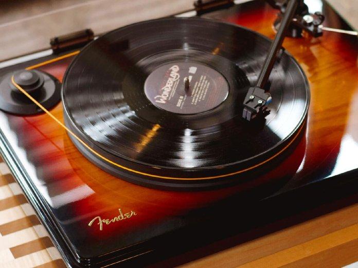 Fender x MoFi PrecisionDeck