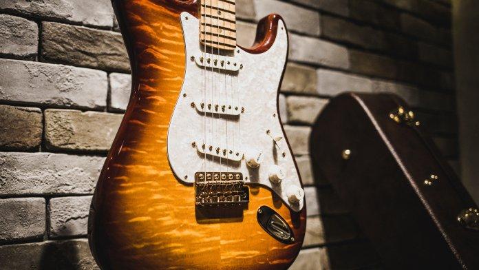 Fender Founders Design Stratocaster