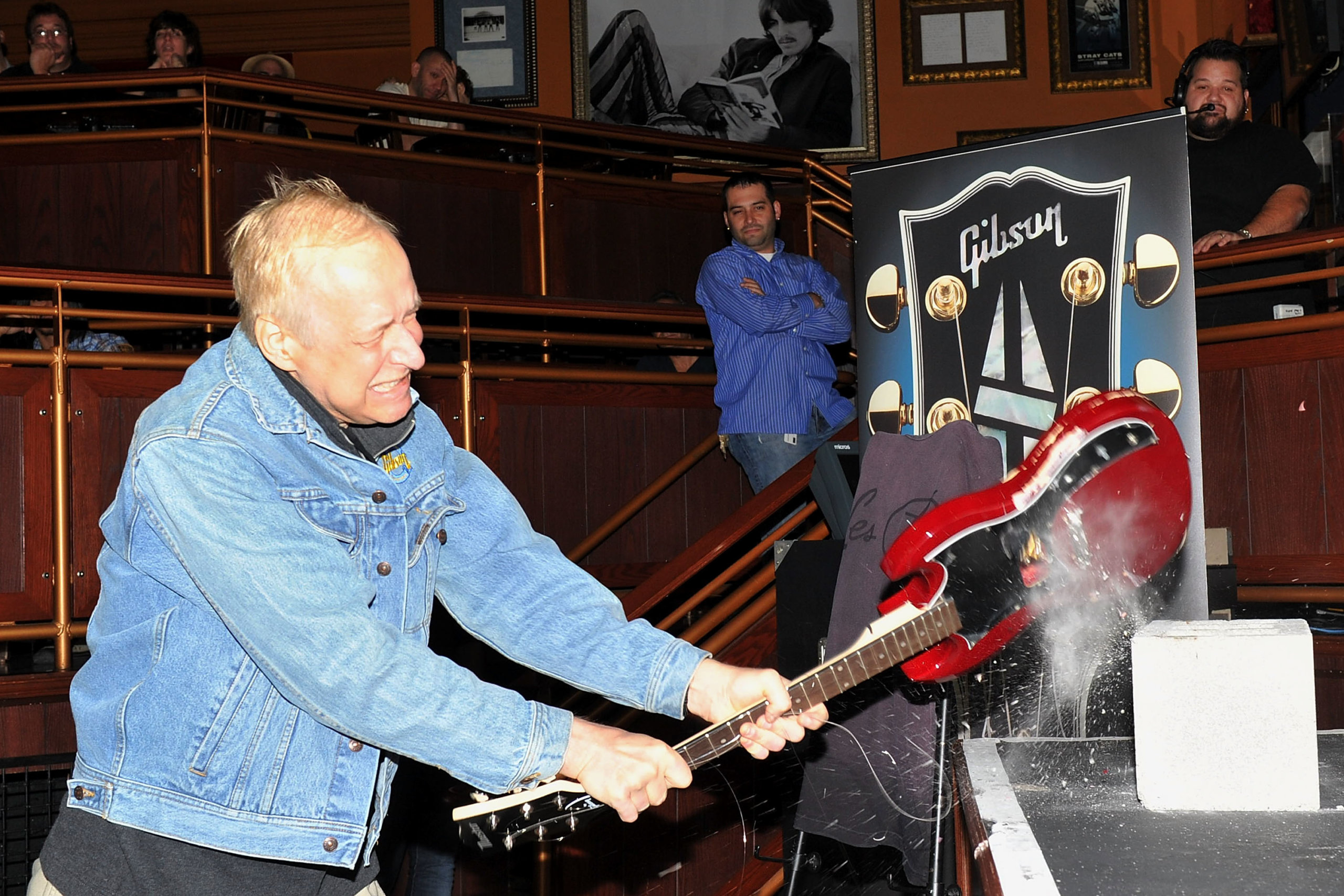 Gibson launches search for new CEO to replace Henry Juszkiewicz
