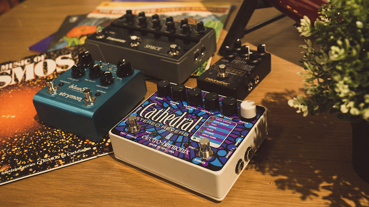 10 best reverb pedals for guitarists all things guitar. Black Bedroom Furniture Sets. Home Design Ideas